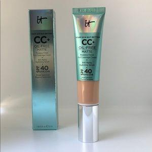 NWT It Cosmetics CC+ Cream Oil Free Matte w SPF 40